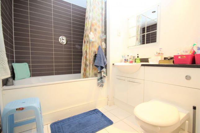 Bathroom of Maxim Tower, Mercury Gardens, Romford RM1