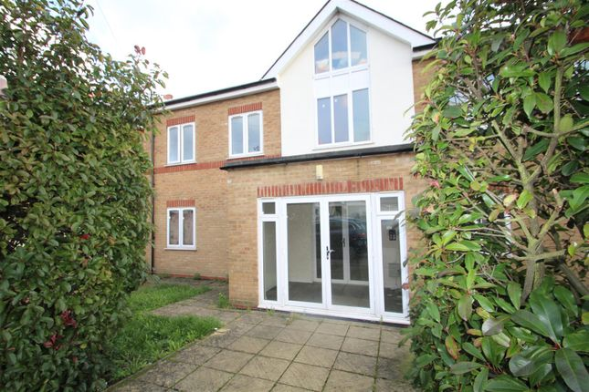 Thumbnail Flat to rent in Towers Court, Pole Hill Road, Hillingdon, Uxbridge