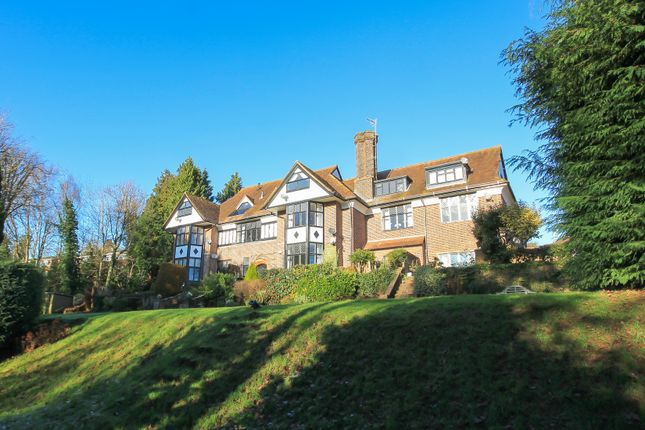 Thumbnail Flat for sale in Martyns Place, Fairfield Road, East Grinstead
