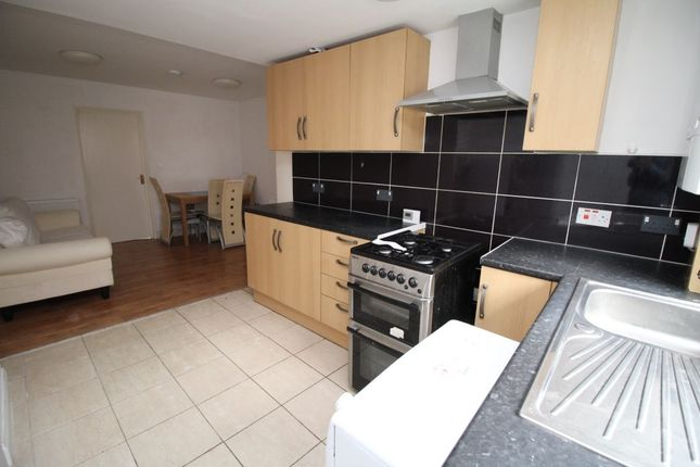 Thumbnail Flat to rent in Well Street, Exeter