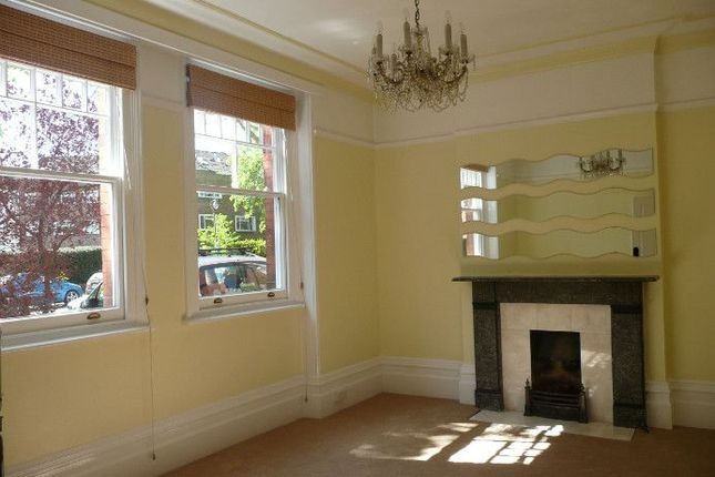 Thumbnail Flat to rent in Wolsey Road, East Molesey