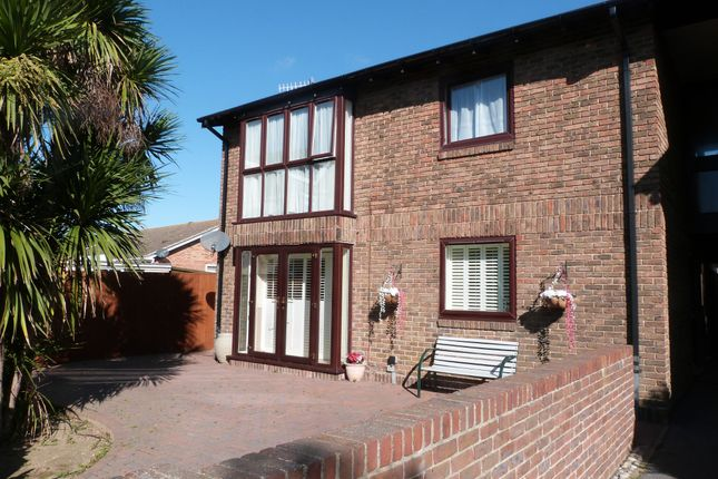 Thumbnail Flat for sale in Beach Road, Selsey, Chichester