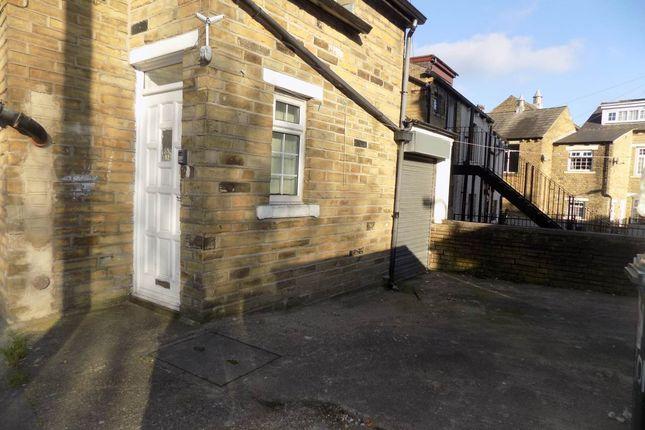 Thumbnail Flat to rent in Legrams Lane, Lidget Green, Bradford