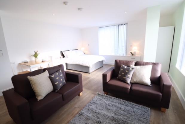 Studio to rent in Scholes Street, Oldham OL1