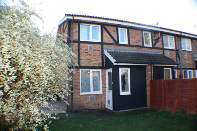 Thumbnail Semi-detached house for sale in Ingleside, Colnbrook, Slough
