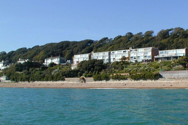 Thumbnail Flat to rent in Radnor Cliff, Folkestone
