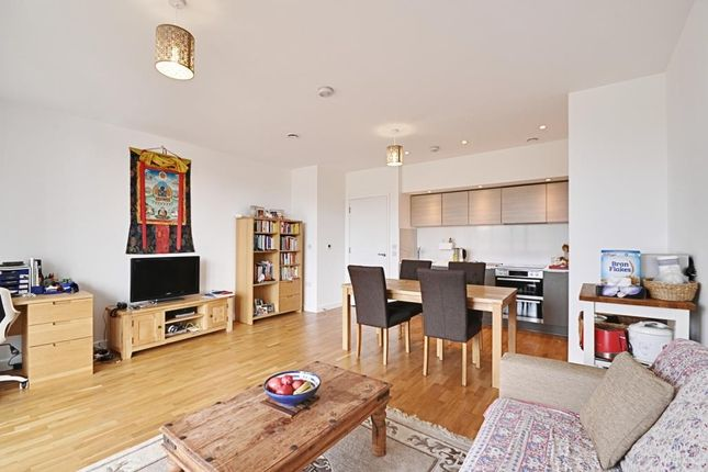 Thumbnail Flat for sale in Edmunds House, Colonial Drive, Chiswick