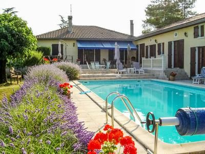 6 bed property for sale in St-Severin, Charente, France