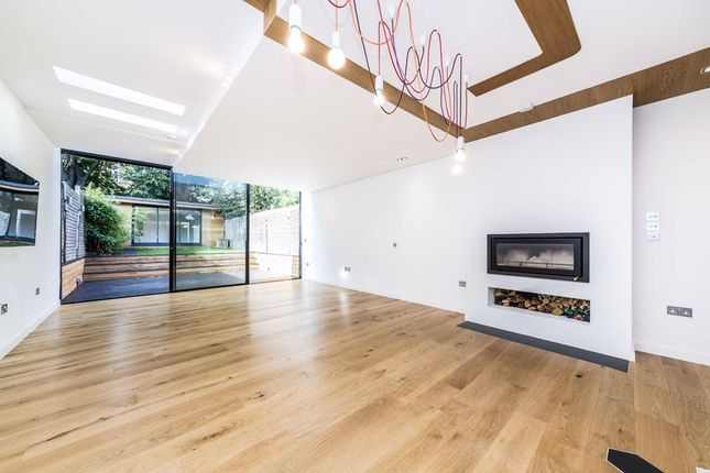 Thumbnail Terraced house to rent in Leppoc Road, London