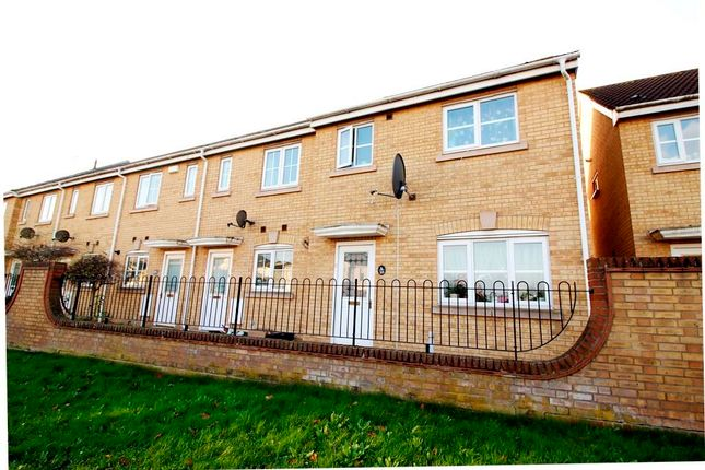 Thumbnail Property to rent in Cheddon Road, Taunton