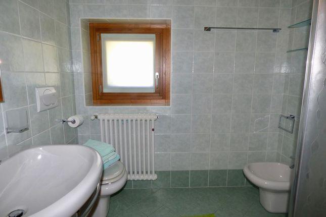 Bathroom of Via Regina Gravedona Ed Uniti, Gravedona Ed Uniti, Como, Lombardy, Italy