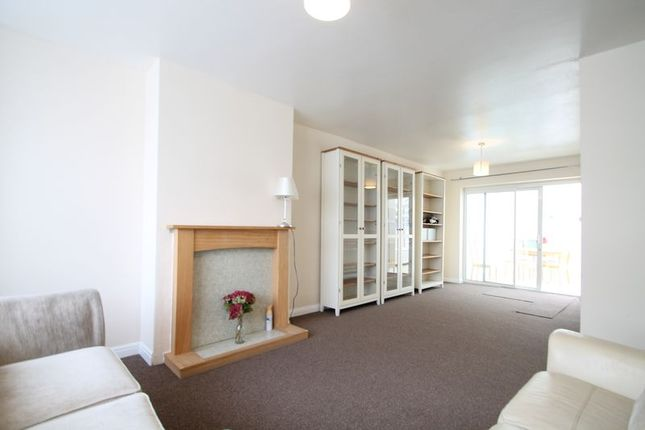 Thumbnail Semi-detached house to rent in Fairway Avenue, West Drayton