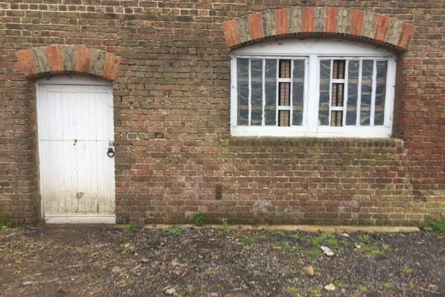 Thumbnail Equestrian property to rent in Thistledene Avenue, Romford