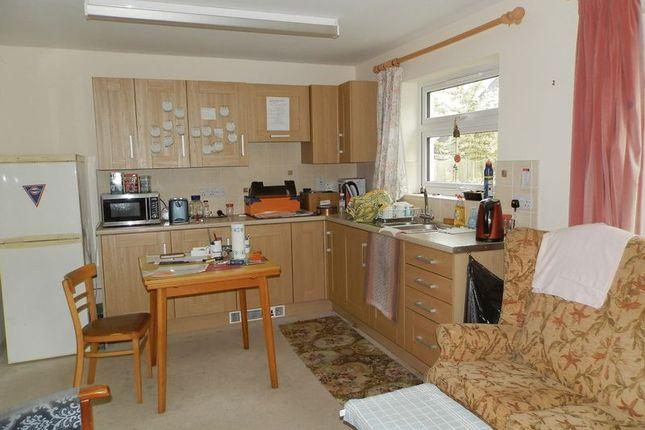 Bungalow Kitchen of Llangeler, Llandysul SA44