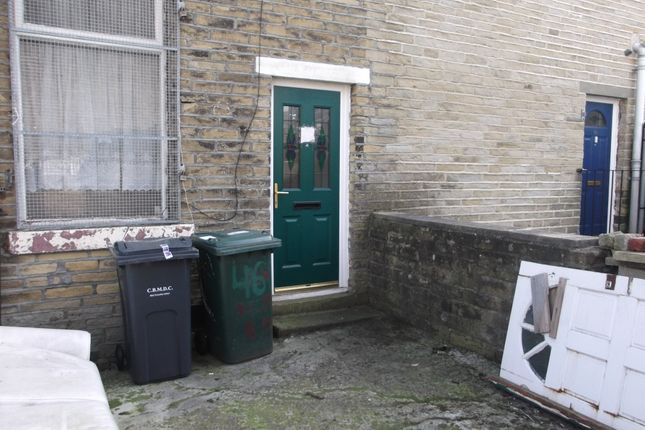 Thumbnail Terraced house to rent in Victor Road, Bradford