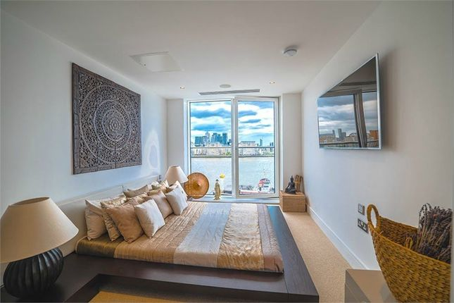 Thumbnail Flat for sale in Imperial Mansions, 13 Victoria Parade, Greenwich, London