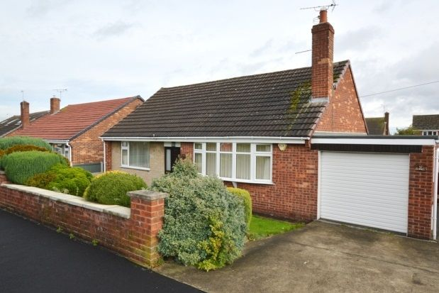 Thumbnail Bungalow to rent in Robincroft Road, Wingerworth, Chesterfield