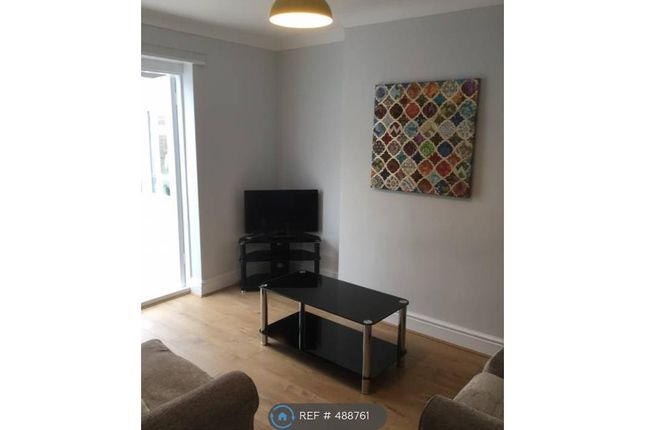 Thumbnail Room to rent in Huntingtower Road, Grantham