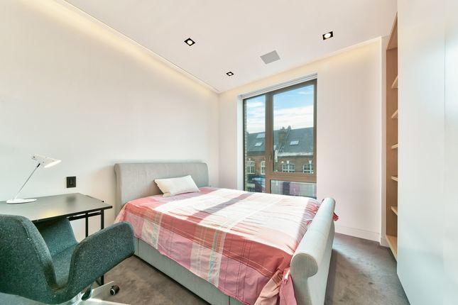 Bedroom of One Tower Bridge, Chatsworth House, London SE1