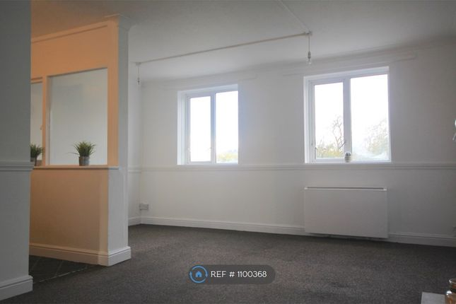 1 bed flat to rent in Beech Court, Cannock WS11