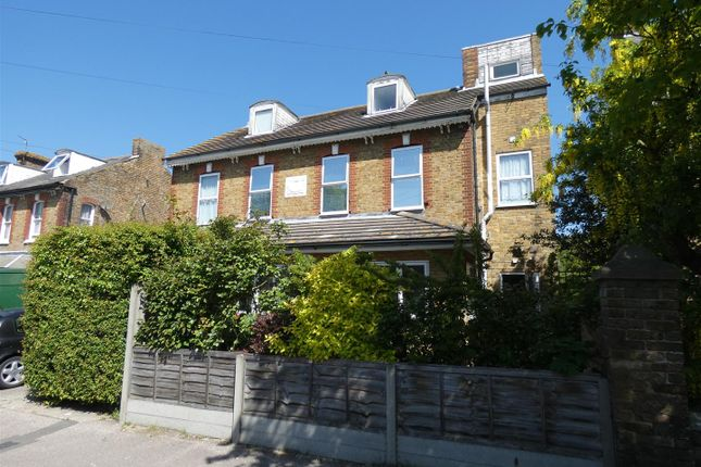 Thumbnail Flat to rent in Victoria Park, Herne Bay