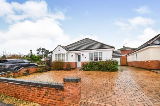 Thumbnail Bungalow for sale in High Street, Great Glen, Leicester, Leicestershire