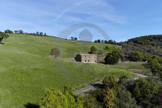 Thumbnail Farmhouse for sale in Via S. Crescenziano, Città di Castello, Perugia, Umbria, Italy