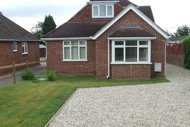 Thumbnail Detached bungalow to rent in Elmhurst Road, Henwick, Thatcham