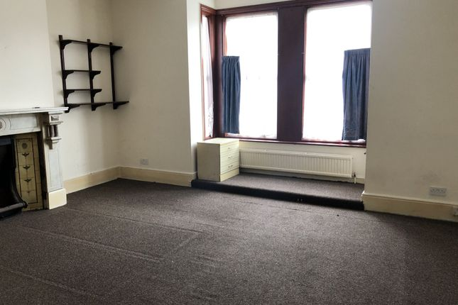 Thumbnail Flat to rent in Aldborough Road South, Seven Kings, Essex