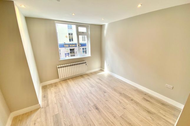 1 bed flat to rent in Cloth Hall Street, Huddersfield HD1