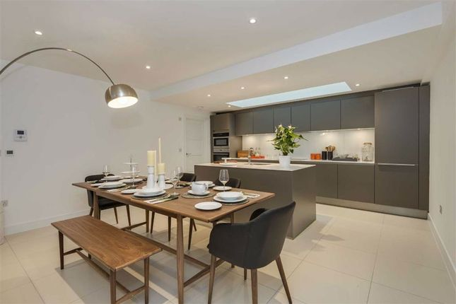Thumbnail Property to rent in Whittlebury Mews West, Primrose Hill, London