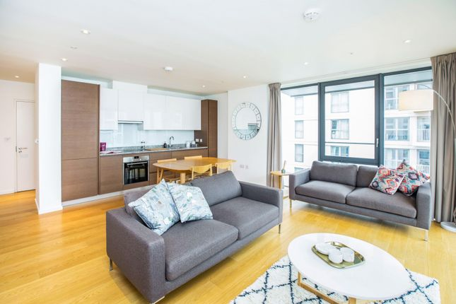 2 bed flat to rent in 22, De Coubertin Street, London E20