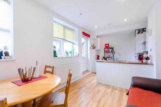Thumbnail Flat to rent in Bensham Lane, Thornton Heath