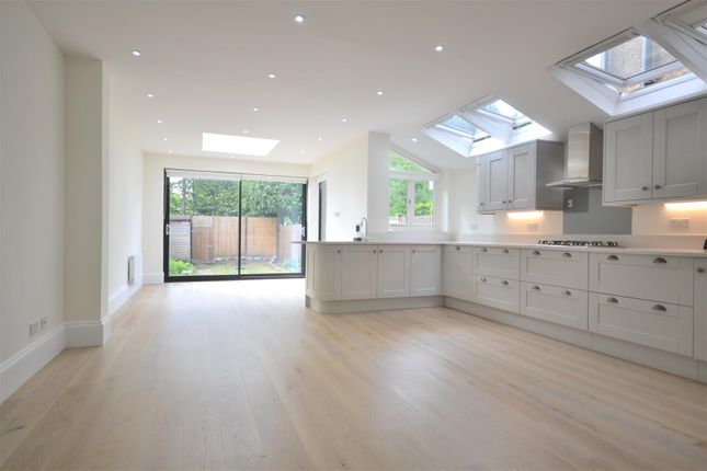 Thumbnail Property to rent in Evelyn Road, London
