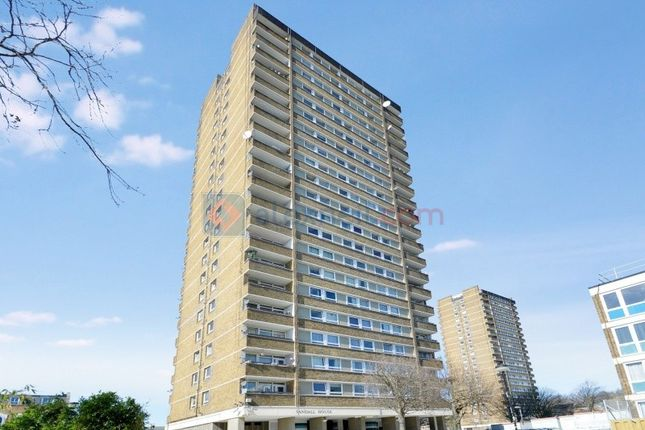 Thumbnail Flat for sale in Daling Way, London