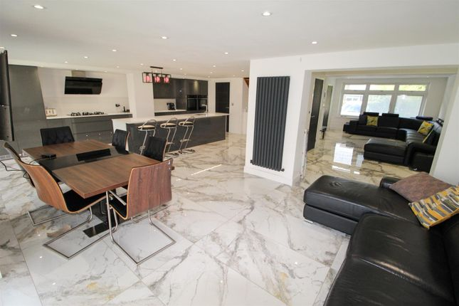Thumbnail Semi-detached house for sale in Dunblane Drive, Cubbington, Leamington Spa