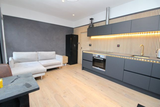 Thumbnail Flat to rent in Holmewood Road, London