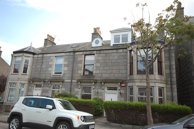 Thumbnail Flat to rent in Stanley Street, Aberdeen