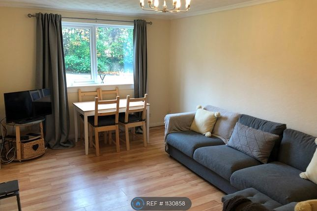 2 bed flat to rent in Grandtully Drive, Glasgow G12