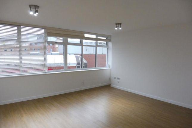 Thumbnail Flat to rent in Oxford Street, Kidderminster