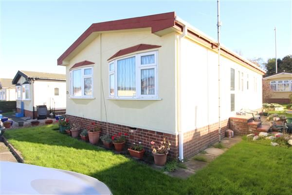 Thumbnail Property for sale in Greenlands Row, Barnet Lane, Elstree