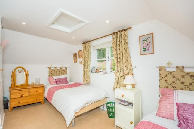 Bedroom Homes For Sale In Willenhall
