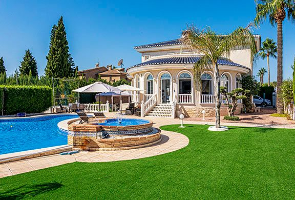 Thumbnail Villa for sale in Doña Pepa, Ciudad Quesada, Rojales, Alicante, Valencia, Spain