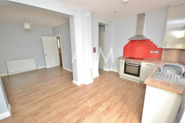Thumbnail Property to rent in New North Road, Ilford