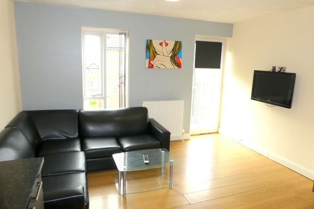 Thumbnail Town house to rent in Wellington Road, Fallowfield, Manchester