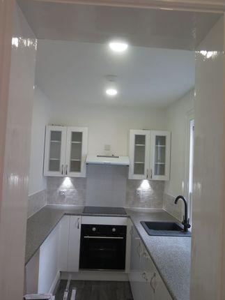 Thumbnail Flat to rent in Waterloo Street, St. Helier, Jersey