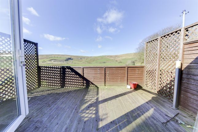 Thumbnail Property to rent in Burnley Road, Loveclough, Rossendale