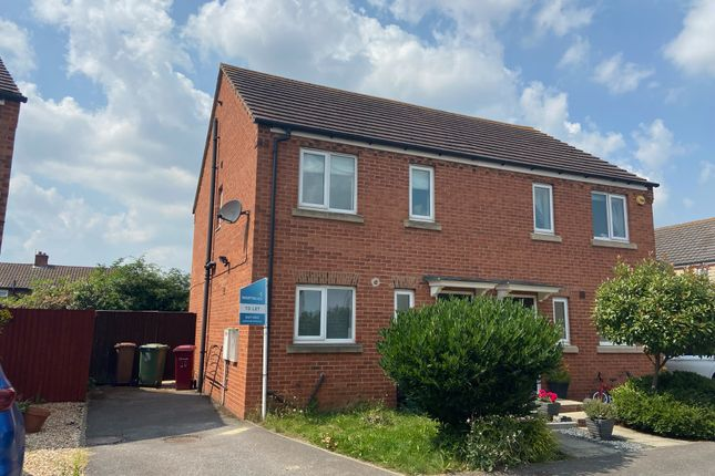 Thumbnail Town house to rent in Queens Drive, Crowle, Scunthorpe