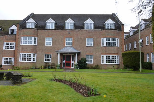Thumbnail Flat to rent in York Mews, Alton, Hampshire