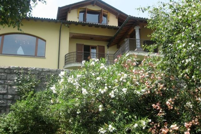Thumbnail Villa for sale in Menaggio, Lombardy, Italy